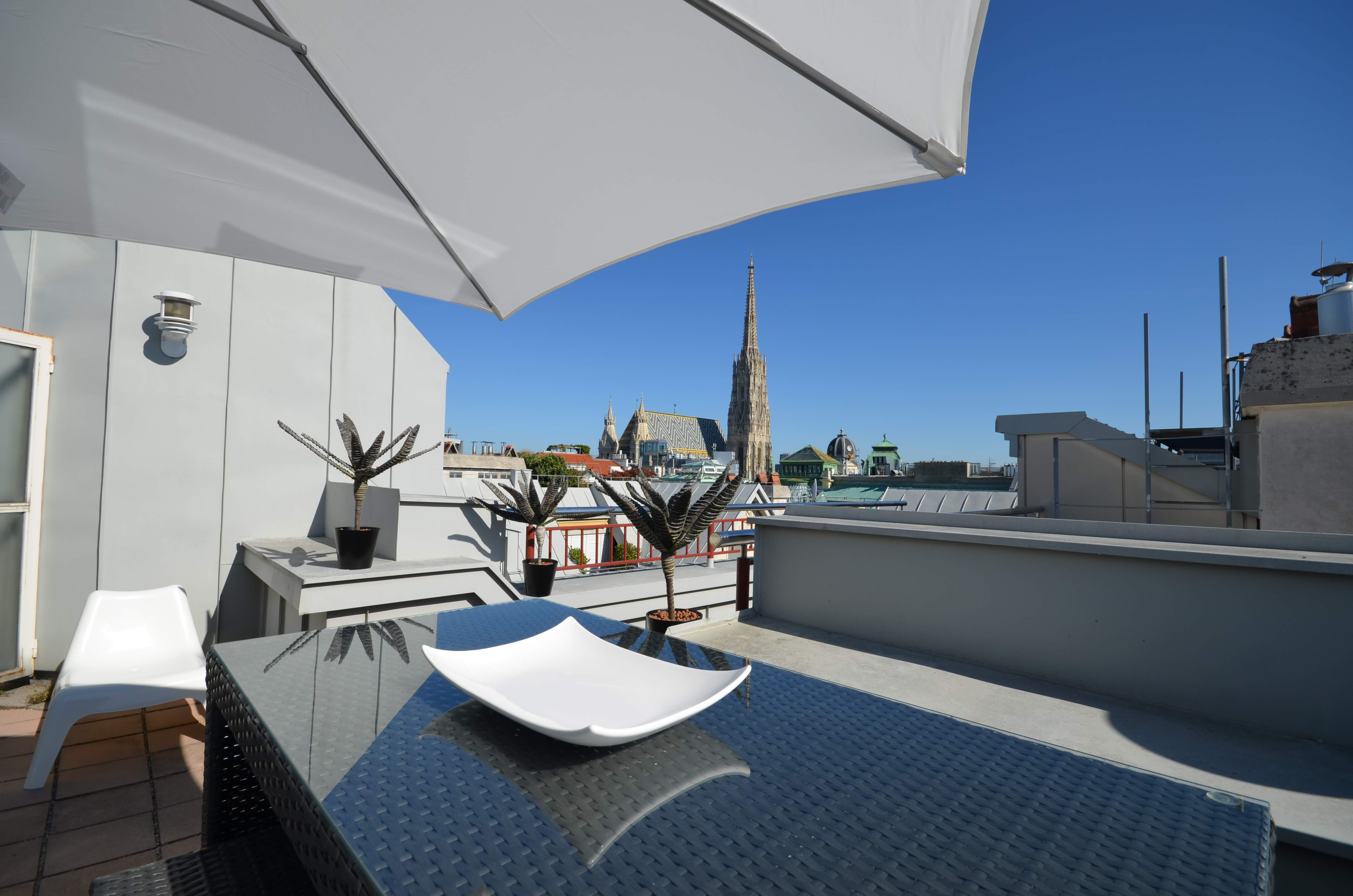Penthouse Residence Graben With Amazing View Grand Quarters