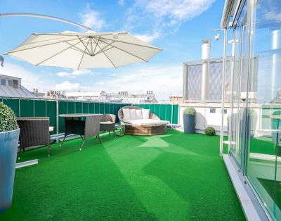 City Center Penthouse with an Amazing Roof Terrace